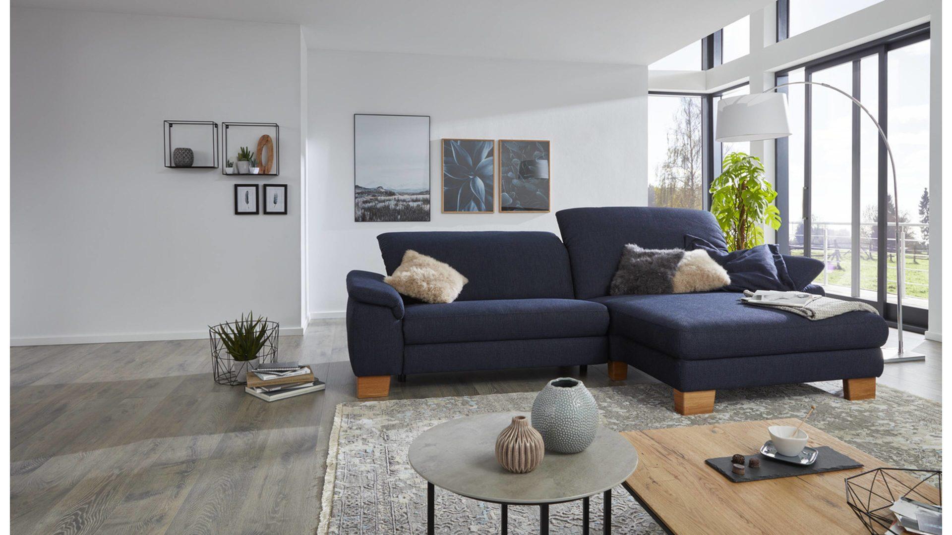 Interliving Sofa Serie 4101 Eckkombination Navyfarbener Bezug