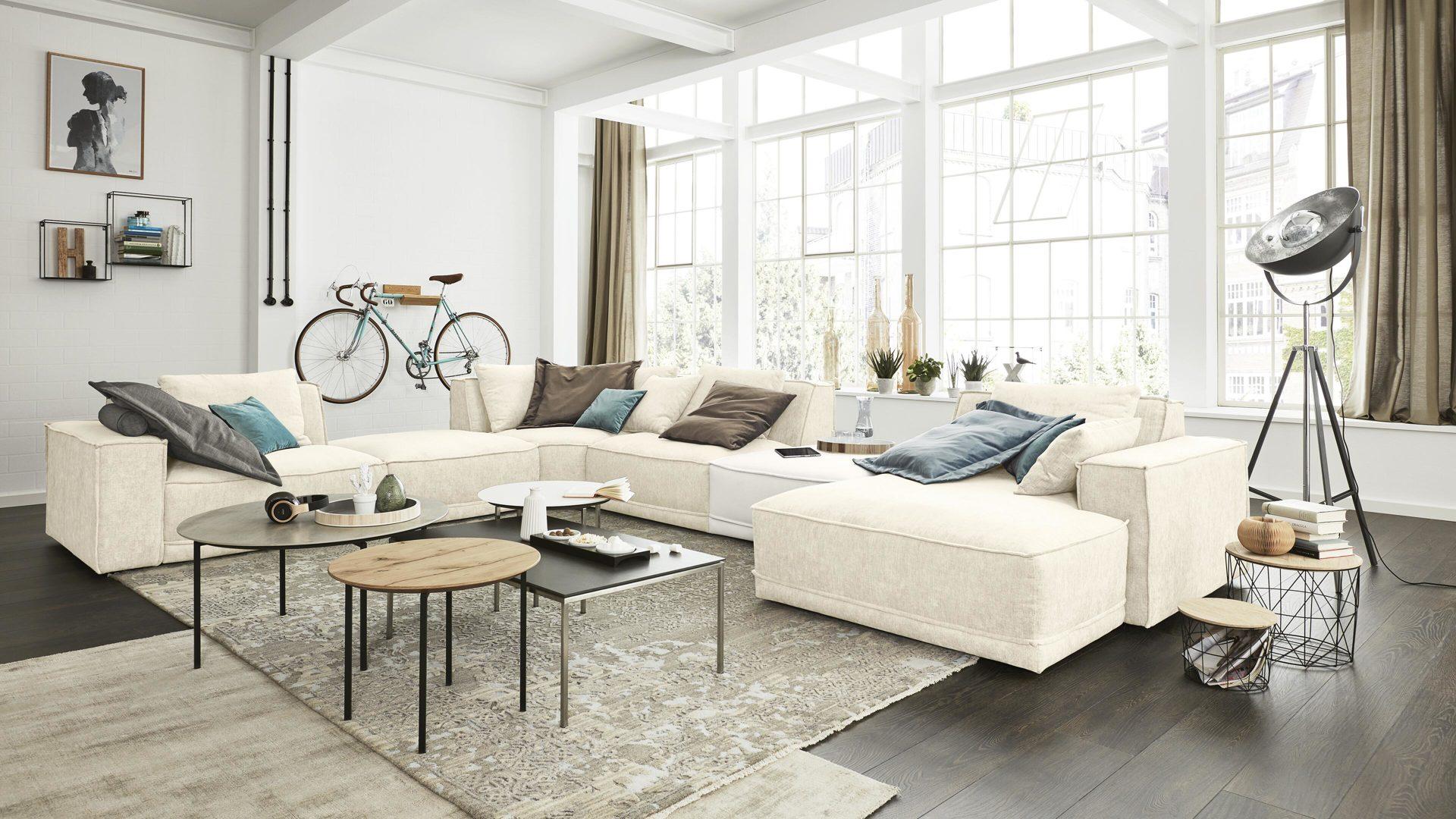 Interliving Sofa Serie 4100 Wohnlandschaft Cremefarbener Bezug