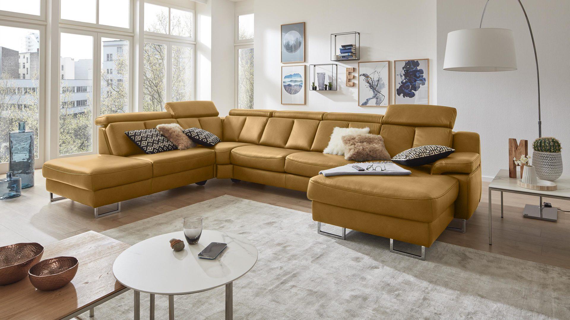Interliving Sofa Serie 4050 Wohnlandschaft Kurkumafarbenes