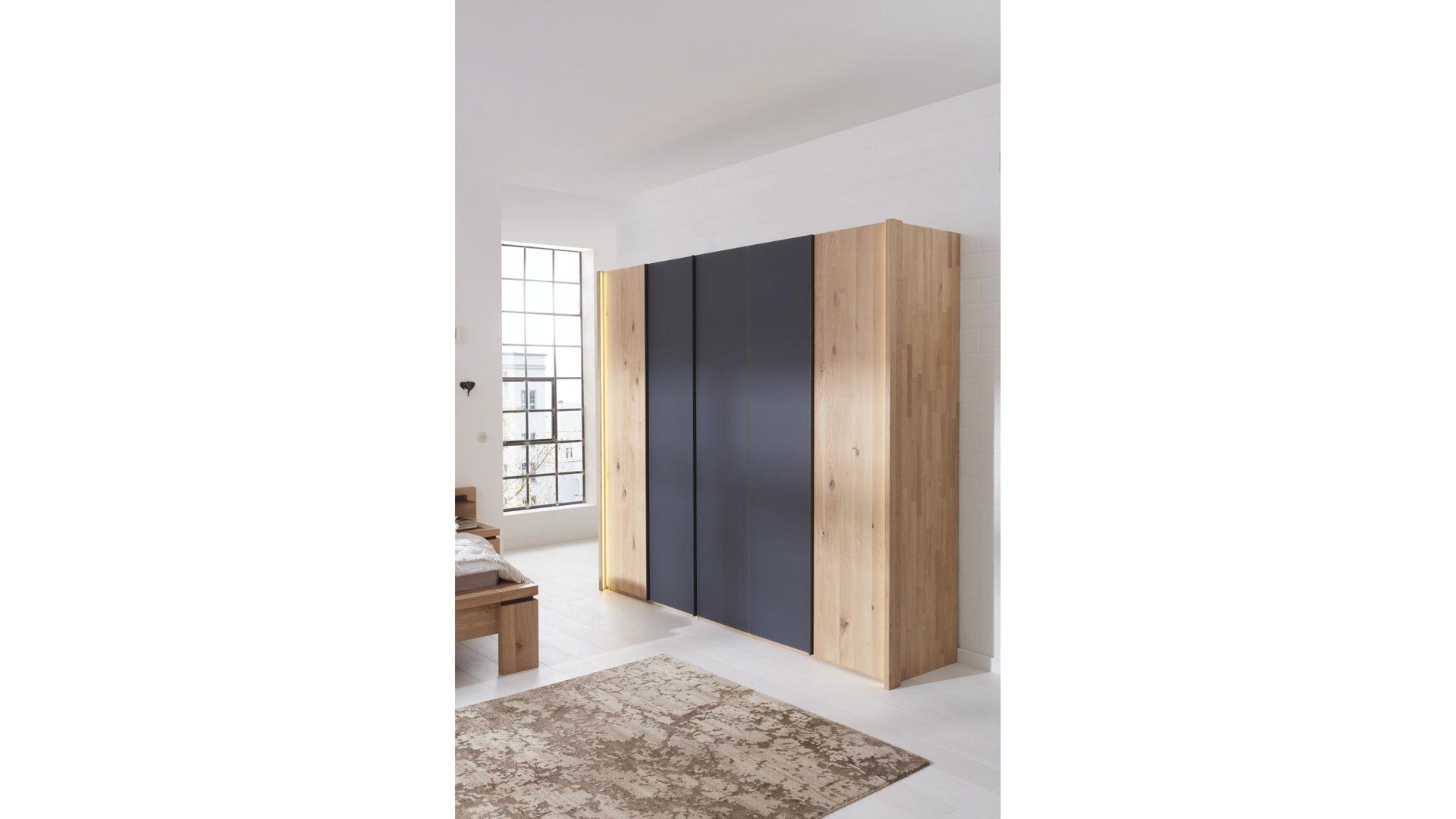 Interliving Schlafzimmer Serie 1005 Kleiderschrank Wildeiche