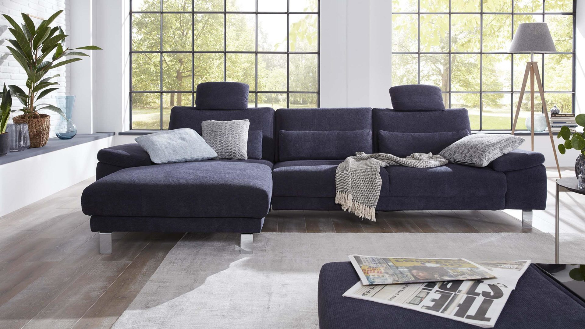 Interliving Sofa Serie 4301 Eckkombination Marineblauer Bezug