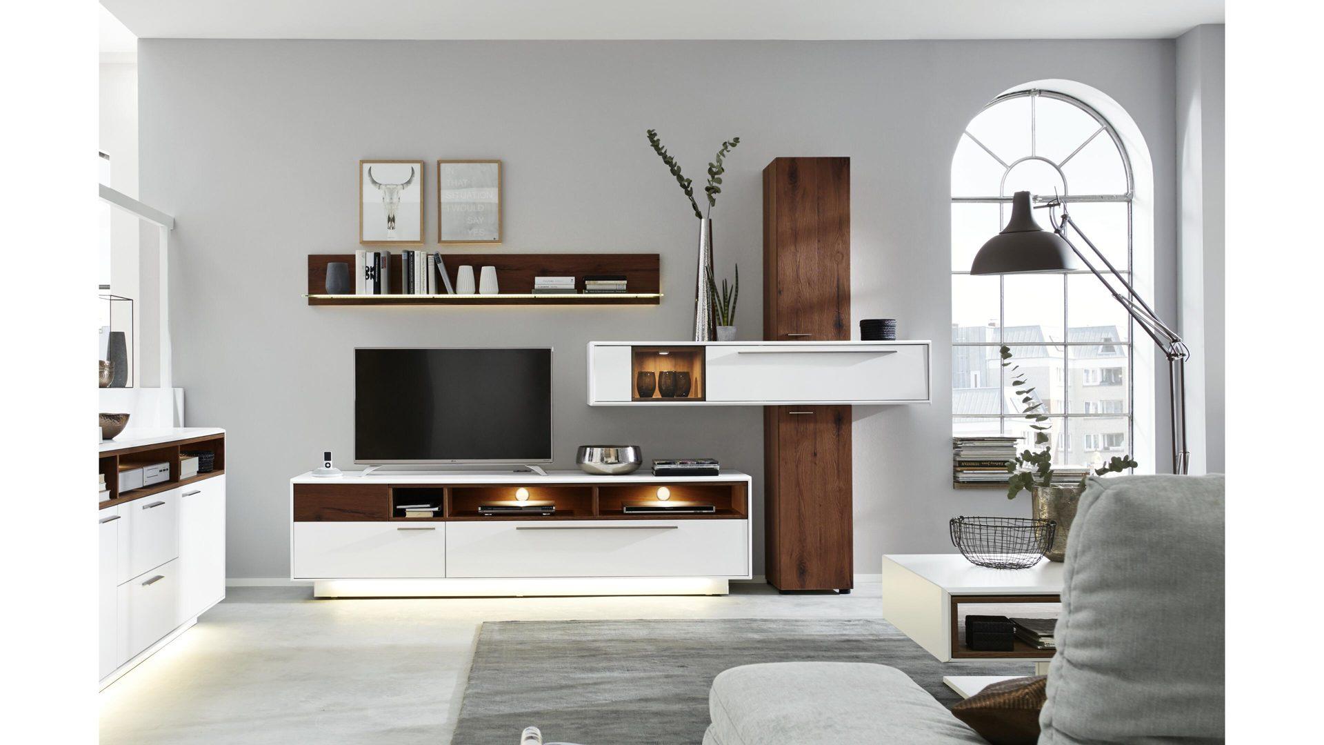 Interliving Wohnzimmer Serie 2102 Wohnkombination Dunkles