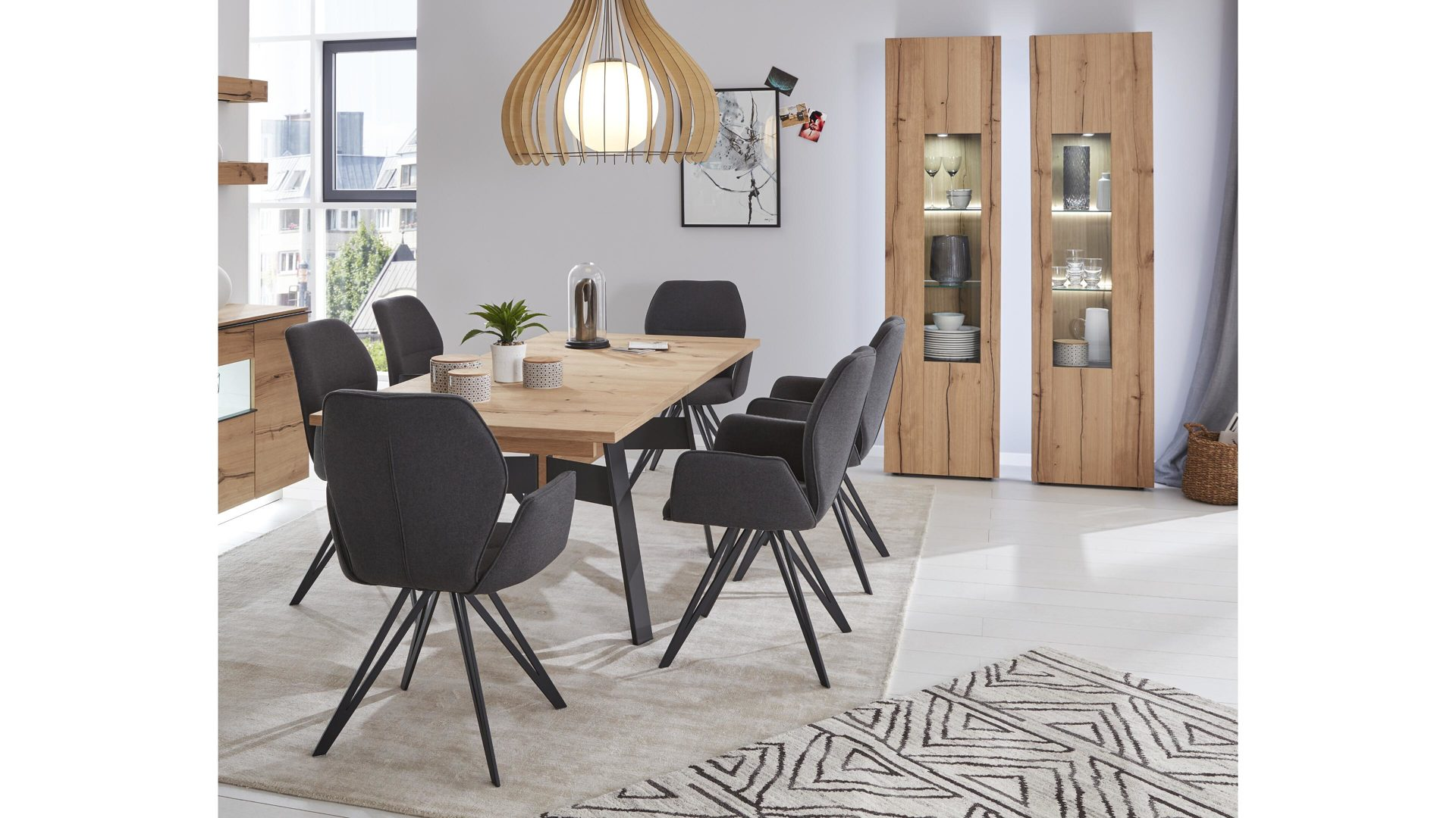 Interliving Wohnzimmer Serie 2103 Esstisch Schieferschwarzer Lack