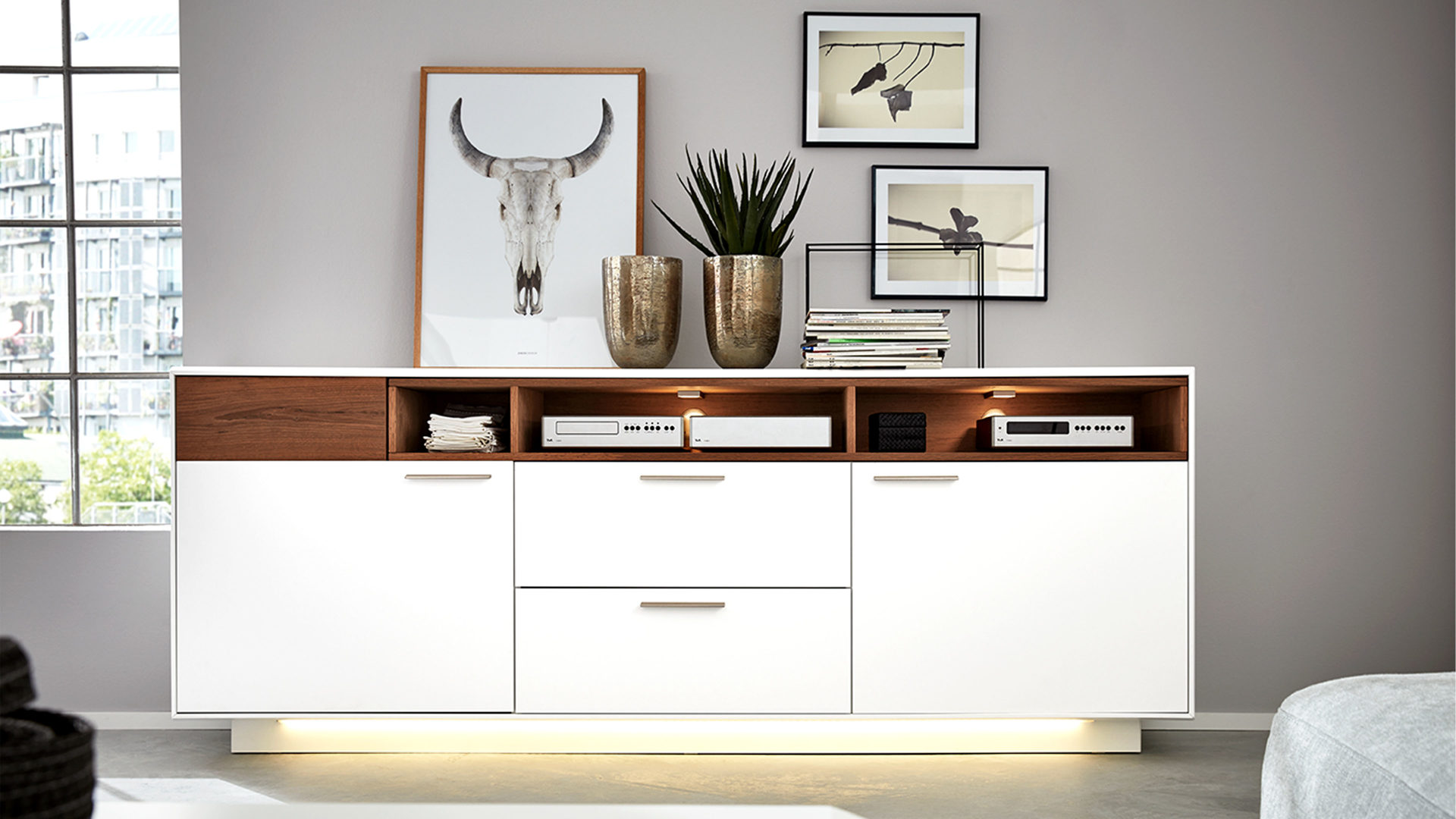 Interliving Wohnzimmer Serie 2102 – Sideboard 510266, dunkles,