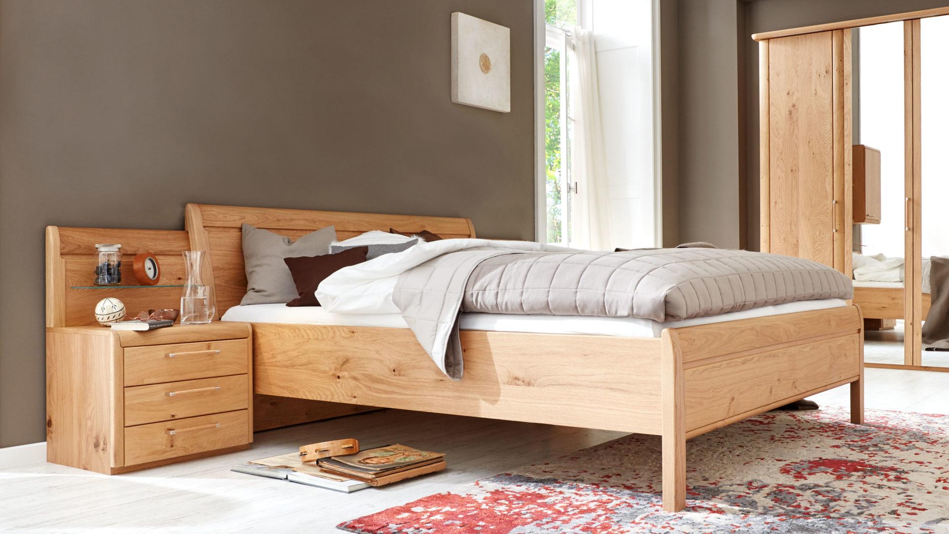 Interliving Schlafzimmer Serie 1001 – Bettkombination,  Wildeiche-Echtholzfurnier – dreiteilig, Liegefläche ca. 180 x 200 cm