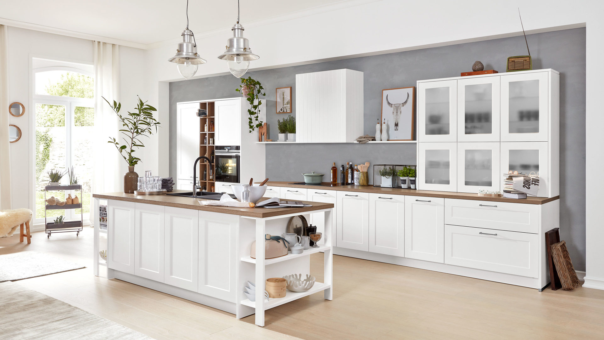 Interliving Küche Serie 3002 mit SIEMENS Einbaugeräten, weiße &,