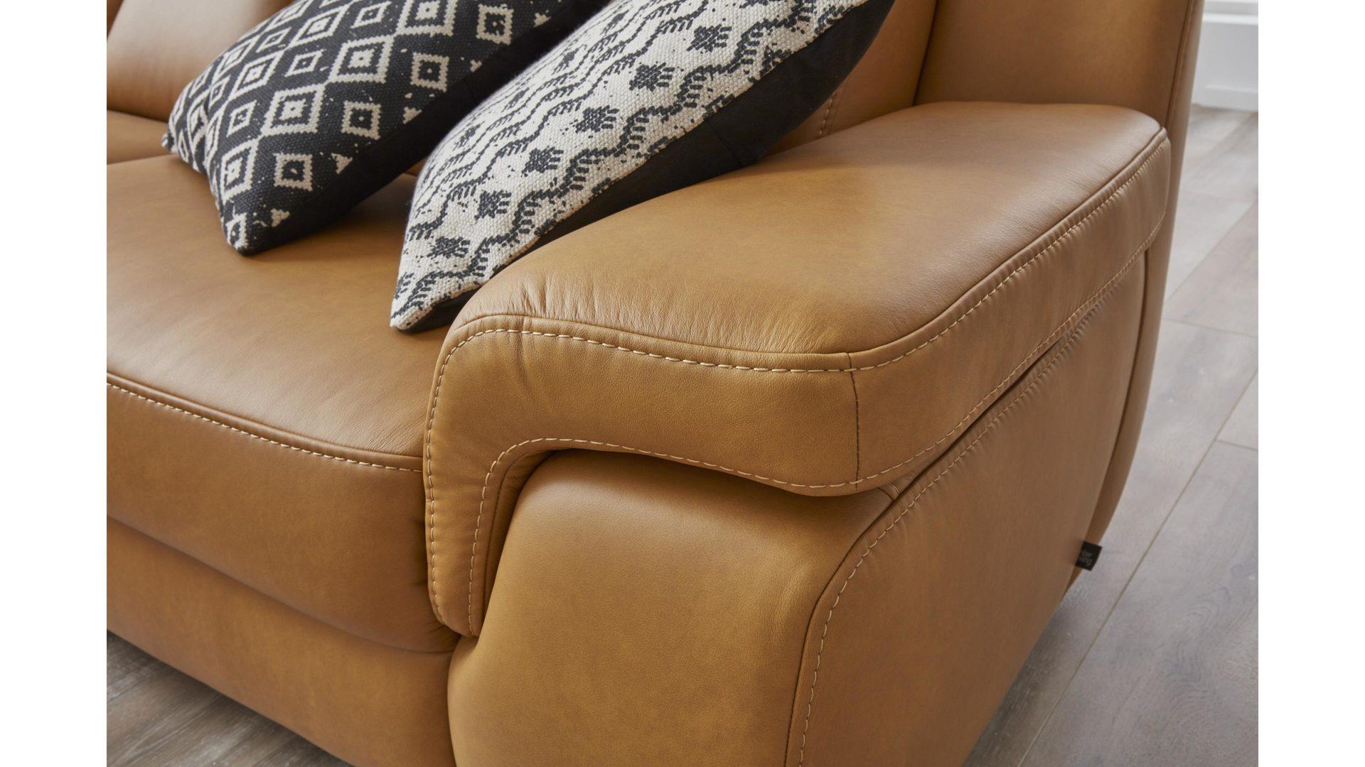 Interliving Sofa Serie 4050 Zweisitzer Kurkumafarbenes Longlife